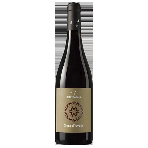 Nero-d-Avola-azienda-vinicola-funaro-DOC-Sicilia-Italie